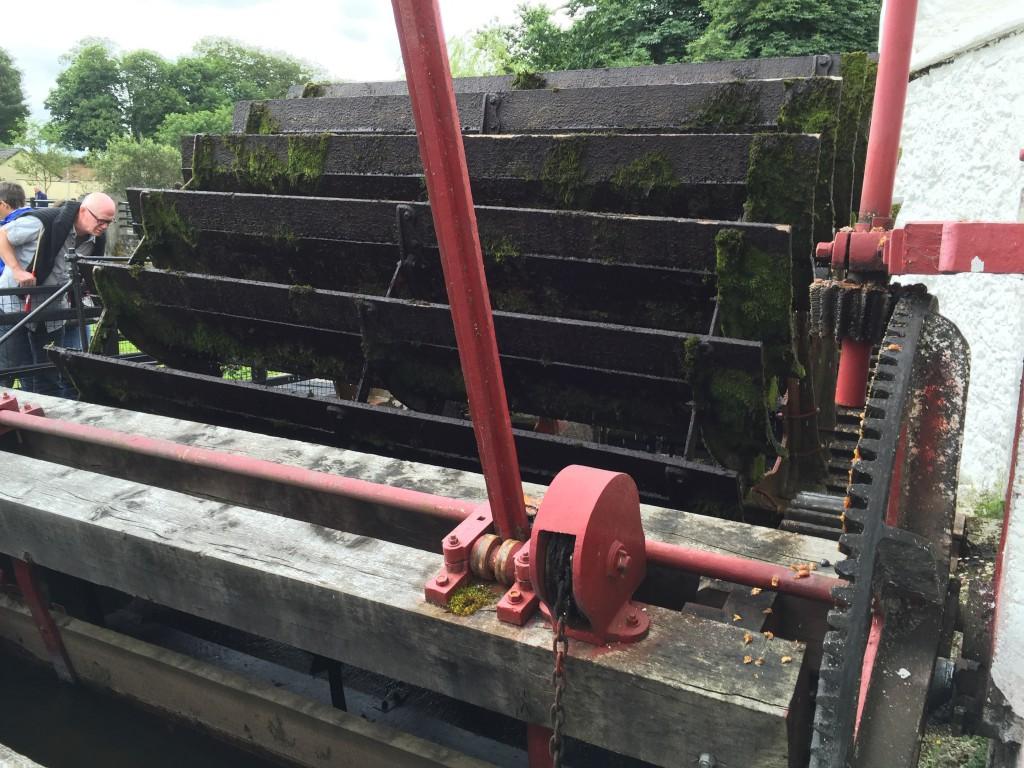 Das Wasserrad als Antrieb der Maschinen