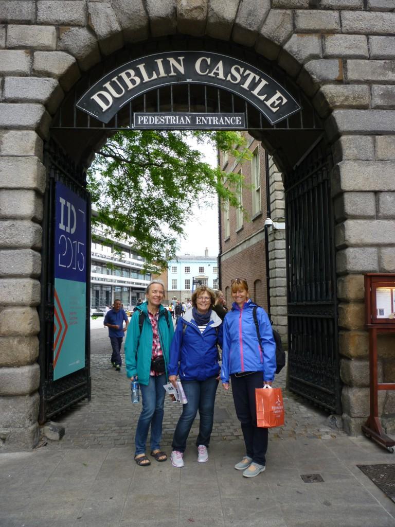 Am Eingang zum Dublin Castle