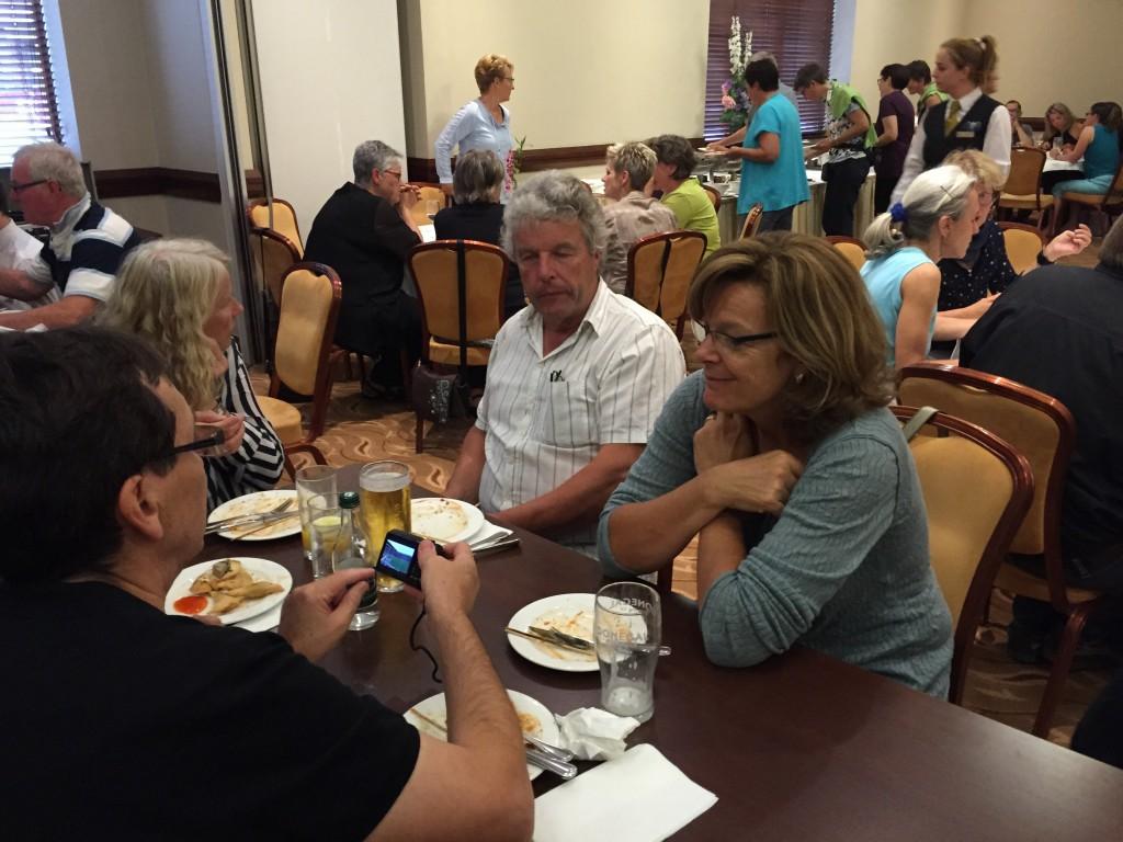 Gäste beim Essen