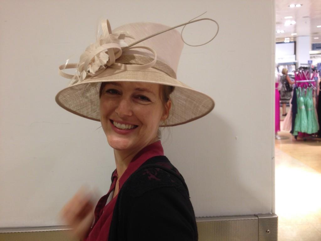 Rebecca beim Shoping