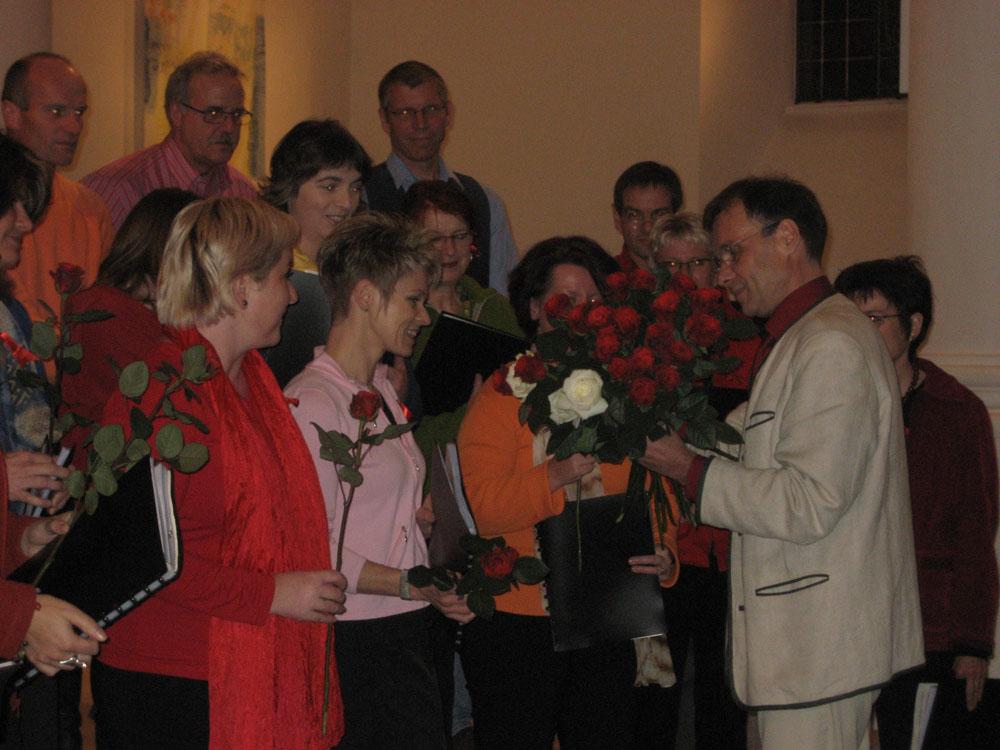 Rosen für die Damen des Chores
