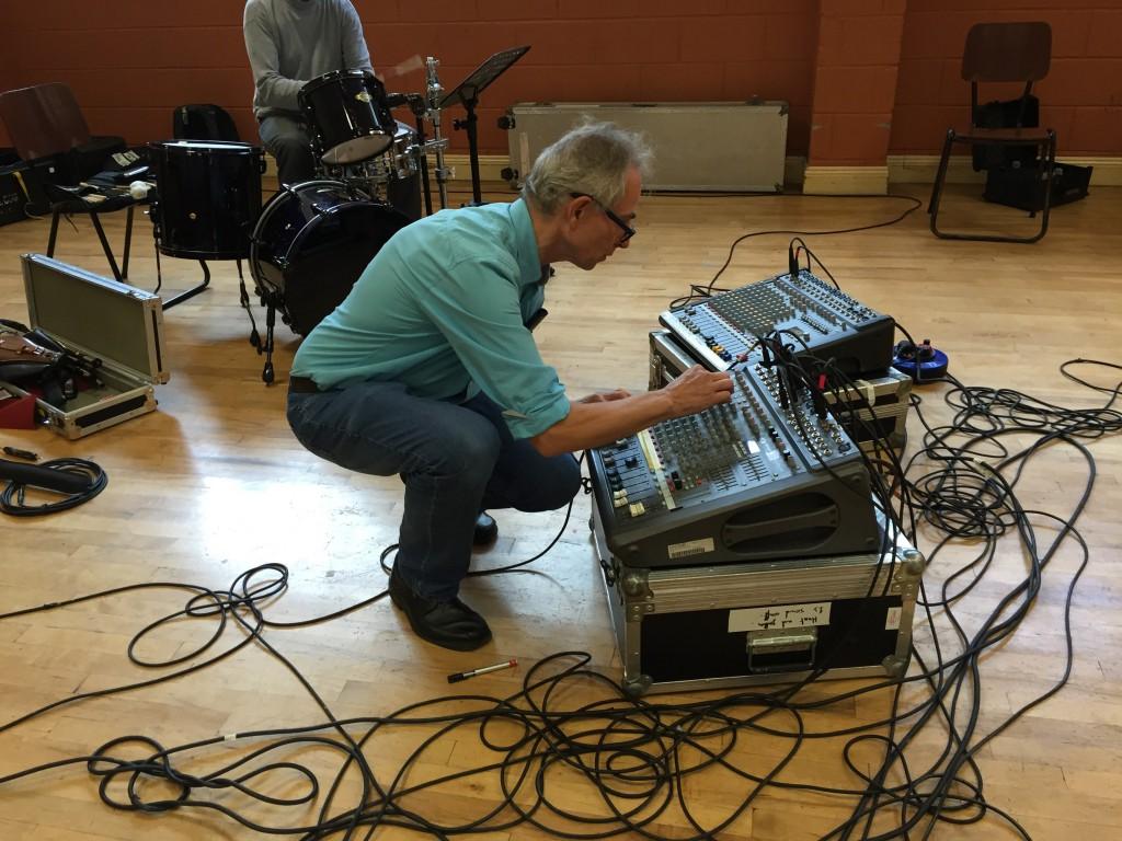 Sound Check mit dem gemieteten Equipment