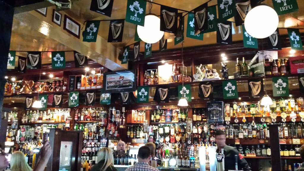 So ein grosses Pub
