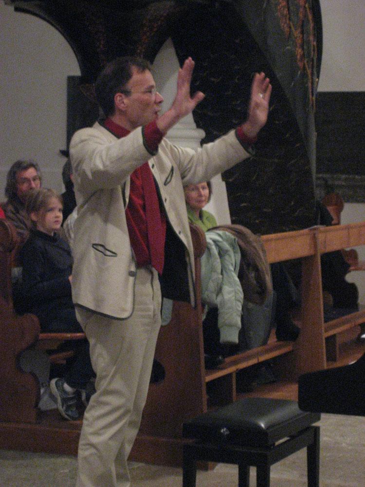 Chorleiter Dieter Reutershahn