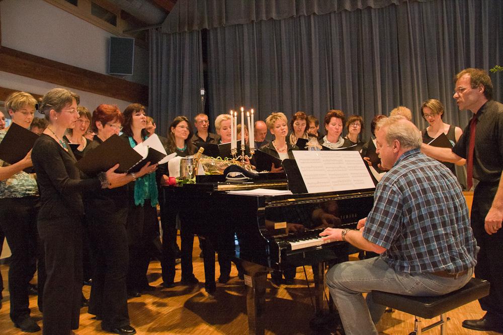 2008 Chor und Kusi am Klavier